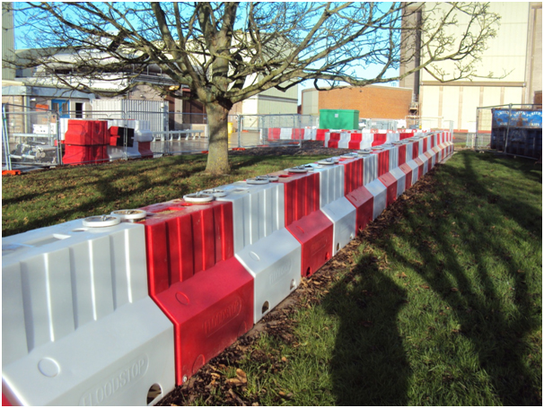900 flood barrier